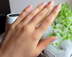 爪割れや横スジは注意!「爪のダメージ」は、体調不良が原因かも!? 爪を健康に保つ方法