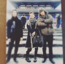 高岡早紀、息子たちとの3ショットに「イケメン」「カップルに見える」と反響