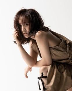 """百田夏菜子、""""肩だし""""ショットでセクシー解禁!?「やばー」「どしたの?」と騒然"""
