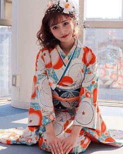 明日花キララが新成人に贈った「刺激的な祝福コメント」にファン大興奮!