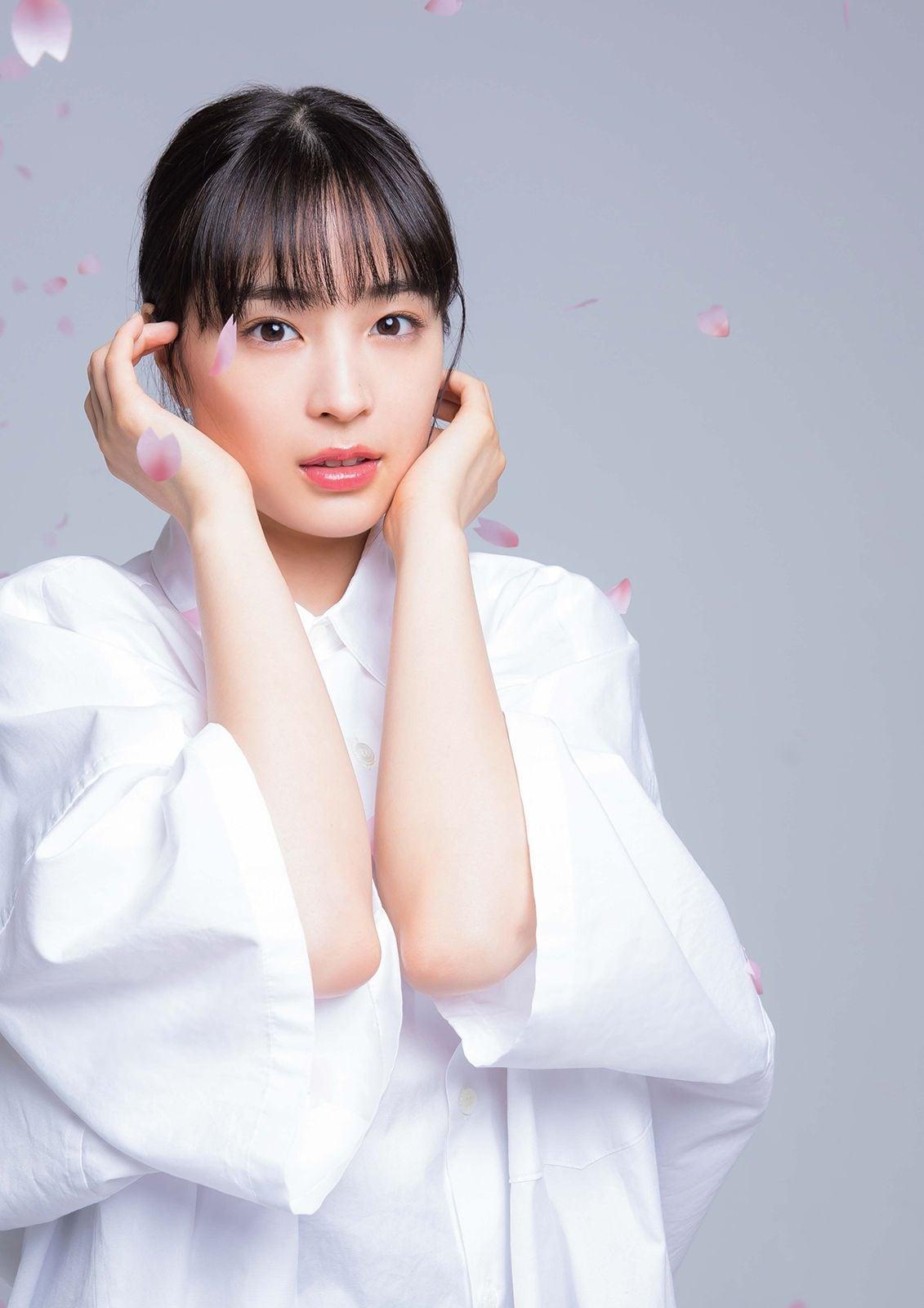 付録:広瀬すずB3ポスター表/撮影:松井伴実