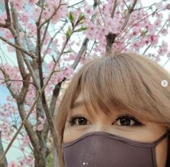 """「あゆかと思った!」りんごちゃん、お花見中の""""目元ドアップショット""""に反響"""