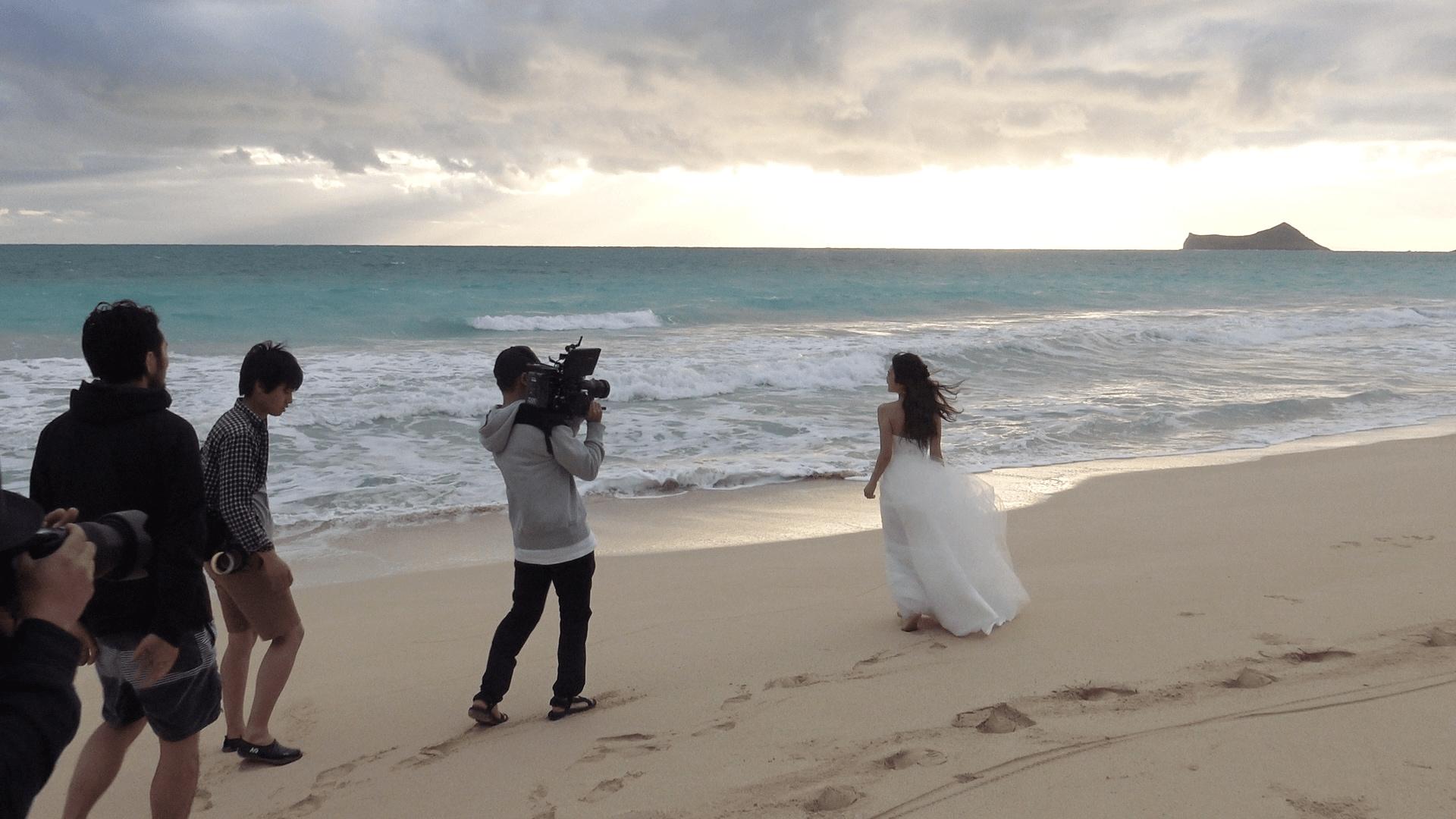 AAA宇野実彩子、白い水着姿でハワイのビーチで大はしゃぎ【画像あり】の画像013