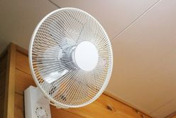 キンキン冷房で体調が悪くなる前に! お家でできる「冷房病対策」