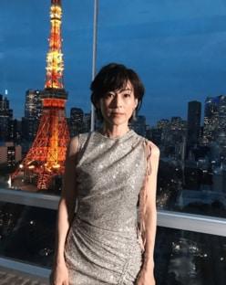 鈴木保奈美、東京タワーに負けない美麗ショットに「ドラマ思い出す」「不老女神」の声