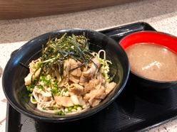 """富士そばの激レア""""煮干し汁つけそば""""が「画期的なうまさ」だった"""