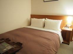 松雪泰子「意外なベッドでの格好」に中居正広も大興奮!
