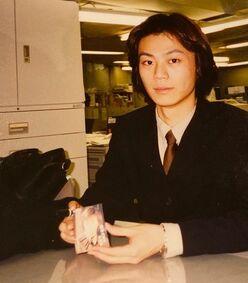 """氷川きよし、22年前の""""サラリーマン風""""ショットに「菅田将暉かと」「初々しい」と反響!!"""