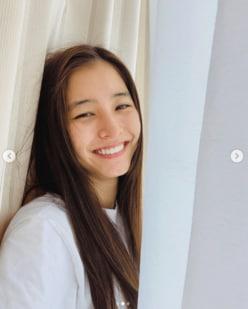 """新木優子、""""寝起きのすっぴん""""姿に「えぐい!」「かわさいレベチ」の声"""