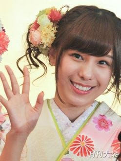 "AKB48小嶋菜月の""バスト強調写真""に鈴木奈々がイエローカード"