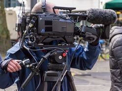 """嵐・二宮和也、""""オーラZERO""""でテレビの街頭インタビューを受けていた!?"""