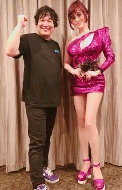 岡崎体育のライブを訪れた「叶美香のファッション」に、称賛の声が集まった理由
