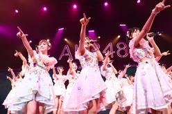 AKB48全国ツアー2019「福岡公演」大家志津香が客席からアンコール!【写真10枚】