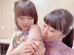"""本田望結、妹・紗来の""""ぷにぷの二の腕""""をはむっ! 姉バカが止まらない"""