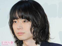 石崎ひゅーい、菅田将暉はお兄さん!?「服とかくれる」仲良しぶりにホッコリ