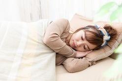 コロナ自粛生活で「眠れない人」激増!プロ直伝「1分で熟睡できる」簡単テク5