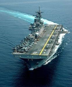 地球連邦軍・ホワイトベースVS米軍母艦、もし戦ったら勝つのはどっち?