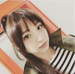 篠田麻里子のロングヘアに溜息、熟年ファンから「懐かしい」の声も