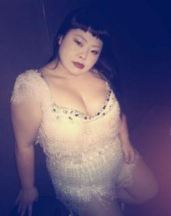 インスタの女王・渡辺直美、奇妙なバランスの肉体美を披露!