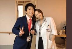 田中圭&米倉涼子が腕を絡めニッコリ!まさかのコラボに「鳥肌もの」
