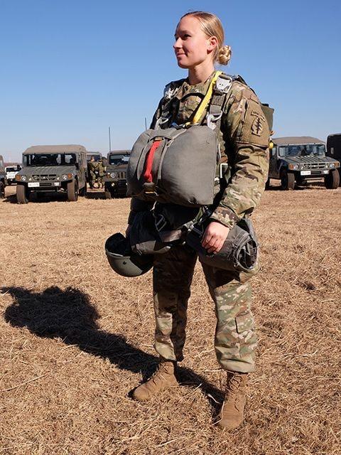 陸上自衛隊×グリーンベレー「厳戒の降下訓練」に密着の画像005